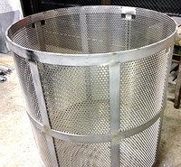 パンチングメタル_がらスープ製作用パンチングかご・全体のサンプル画像です。
