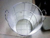 「金網」の大栄金網工業株式会社。「クリンプ金網製丸カゴ」のサンプル画像です。